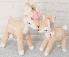 Plush Deer XL met bloemenkrans (Metoo Doll)
